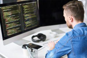 エンジニアがよく使う英語は?自己紹介やメールにおすすめの例文を紹介!